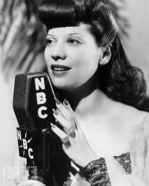 75cff87b3 Dinah Shore (1917) – Mediatly